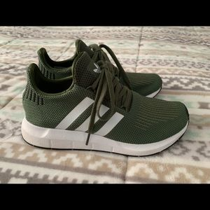Adidas swift run 7.5 green
